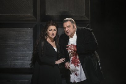 MACBETH_PRODUCTION IMAGE_Anna Netrebko as Lady Macbeth and Željko Lučić as Macbeth © 2018 ROH. Photograph by Bill Cooperjpg